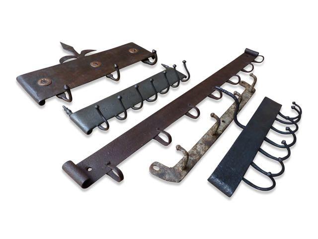 Notre collection de crochets pour suspendre les outils de cheminée