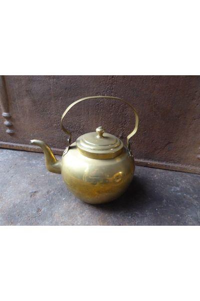 Bouilloire antique (de cuivre) en 16