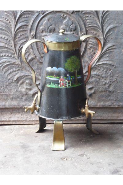 Bouilloire antique (de cuivre) en 15,16