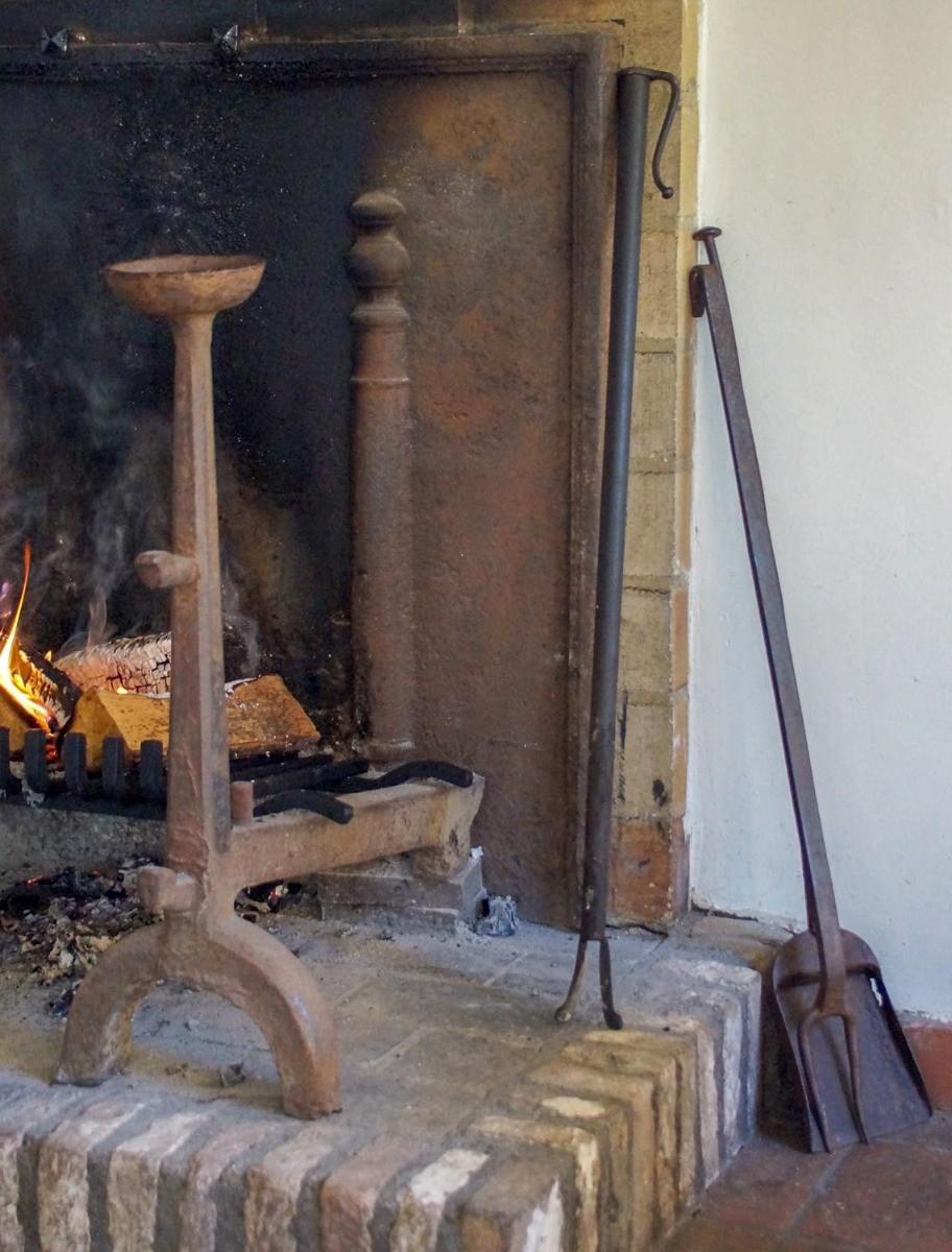 De quels ustensiles avez-vous besoin pour votre cheminée ?