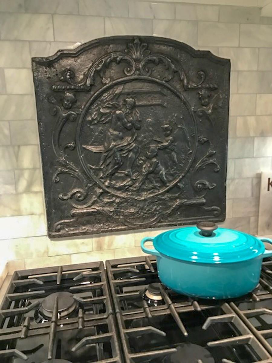 Plaque de cheminée comme dosseret délivré par https://www.plaque-de-cheminee.fr à Derby, Kansas