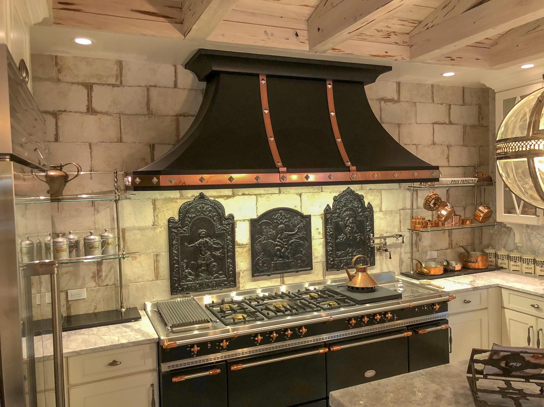 Plaque de cheminée comme dosseret délivré par https://www.plaque-de-cheminee.fr à Fort Lauderdale, Floride