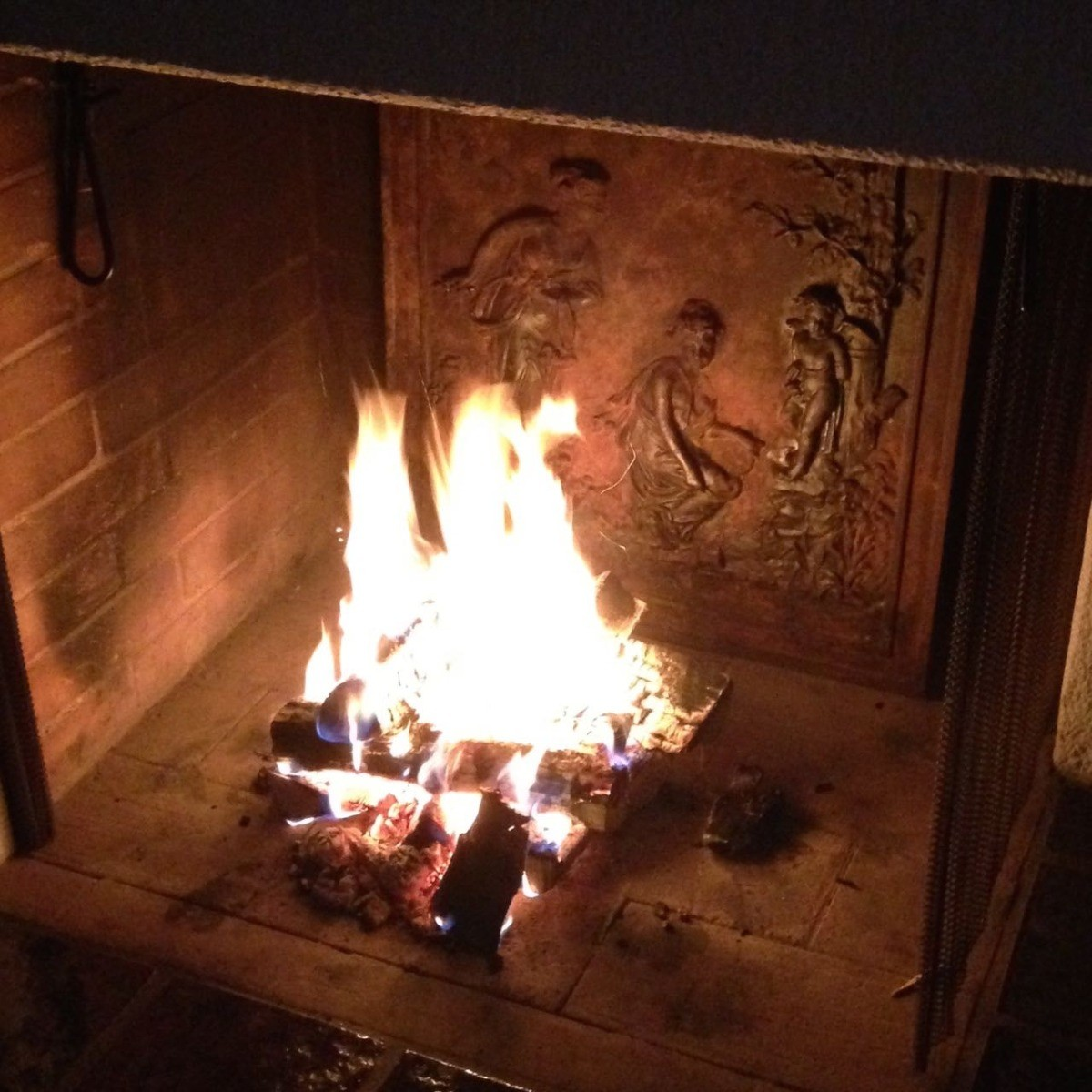 Comment utiliser une plaque de cheminée?