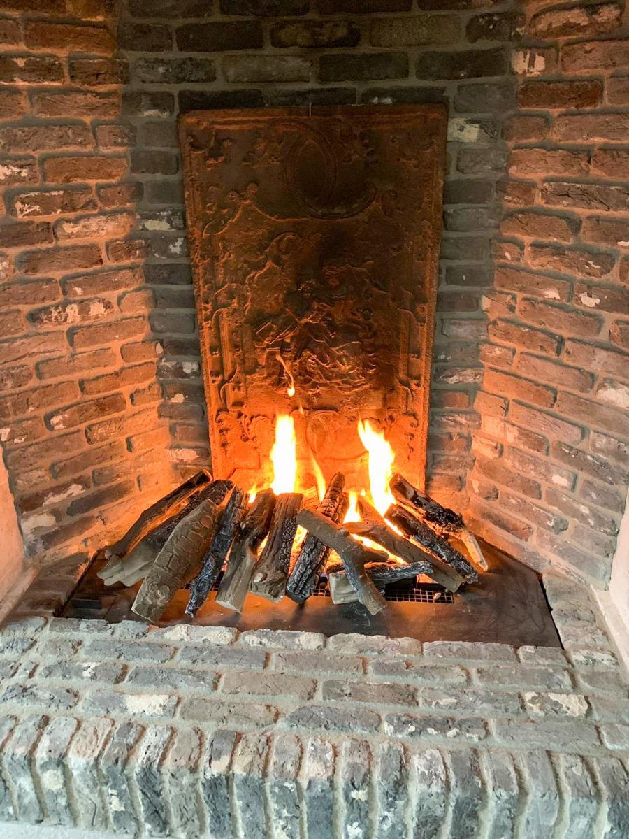 Plaque de cheminée à Amstelveen, Pays Bas, délivré par https://www.plaque-de-cheminee.fr