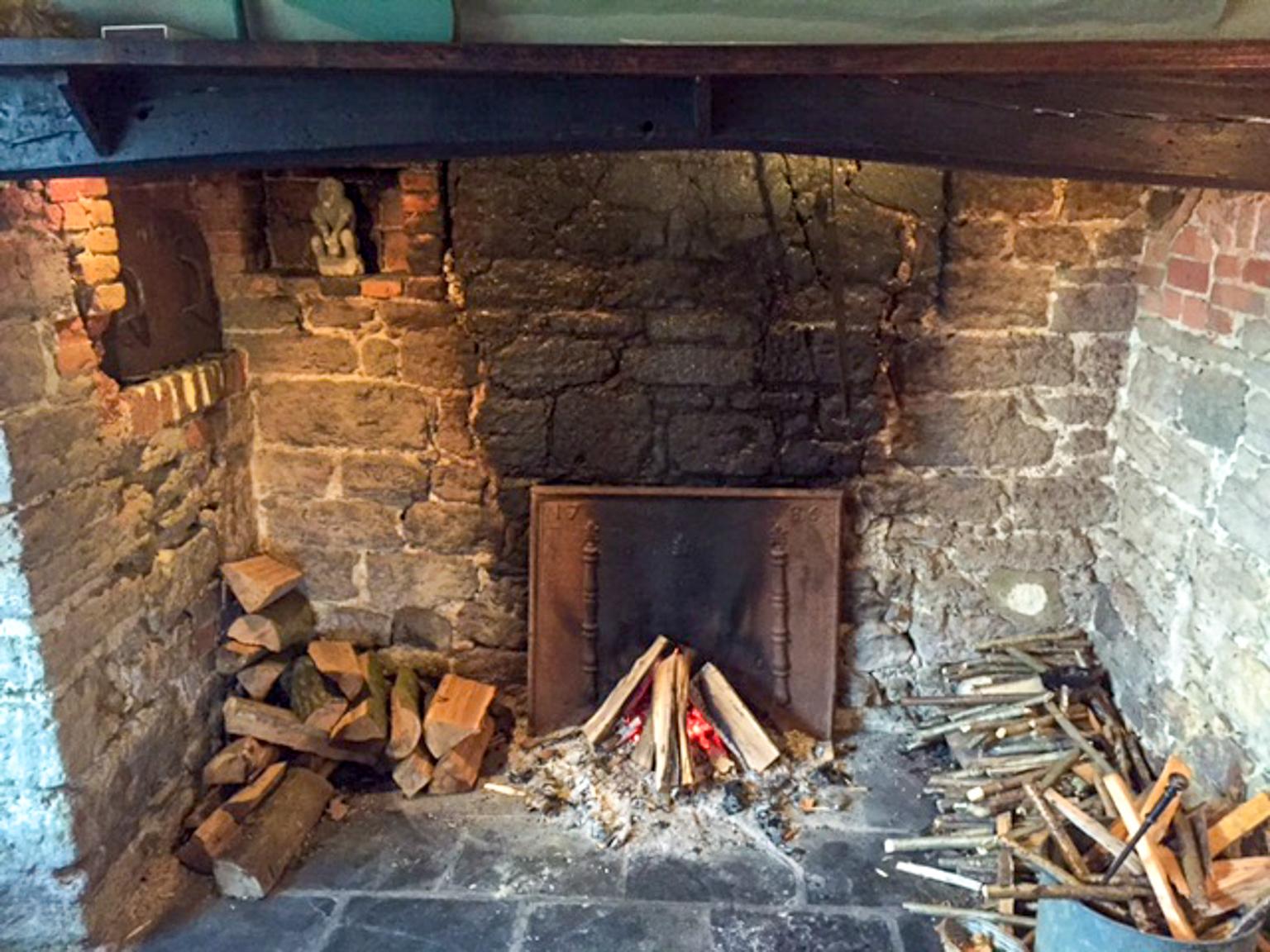 Pulborough: Plaque de cheminée délivré par https://www.plaque-de-cheminee.fr