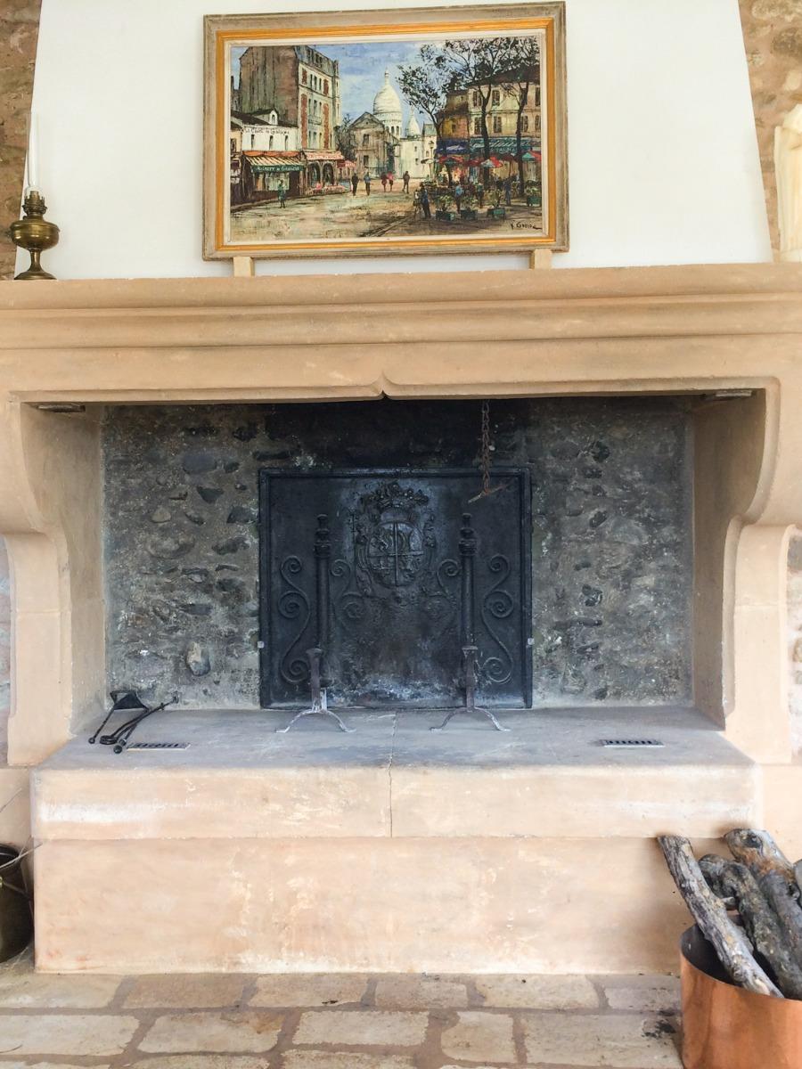 Provence, France: Plaque de cheminée délivré par https://www.plaque-de-cheminee.fr